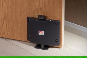 How to fit the Union DoorSense fire door retainer