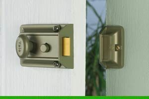 How to replace a cylinder lock with a Yale nightlatch